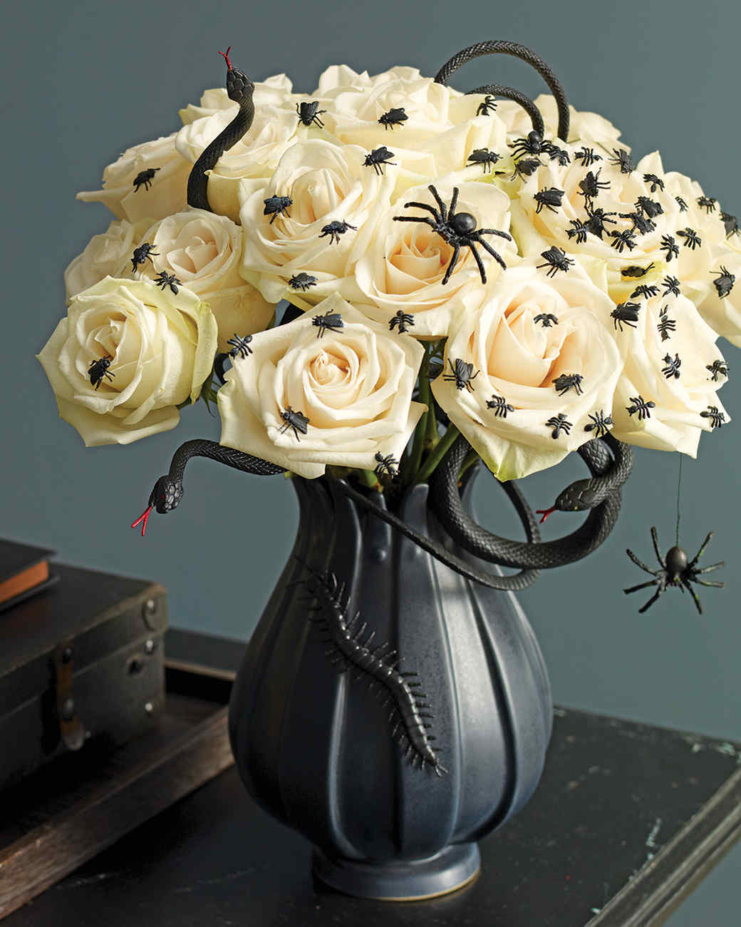 deranged halloween centerpiece martha stewart - Halloween Centerpieces
