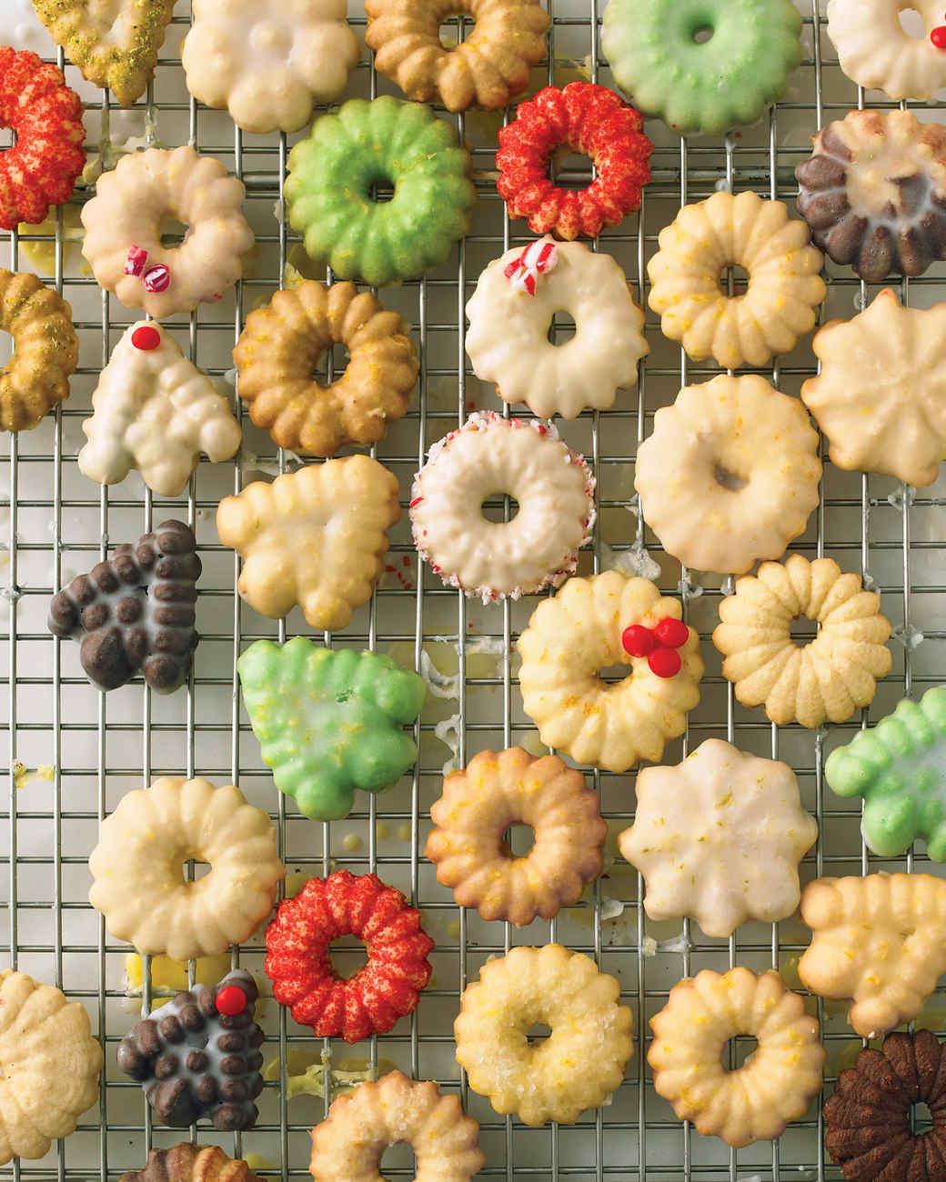 Vanilla-Bean Spritz Wreaths Recipe — Dishmaps