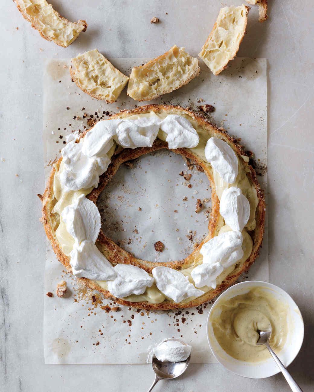 pastry-wreath-5-md107770.jpg