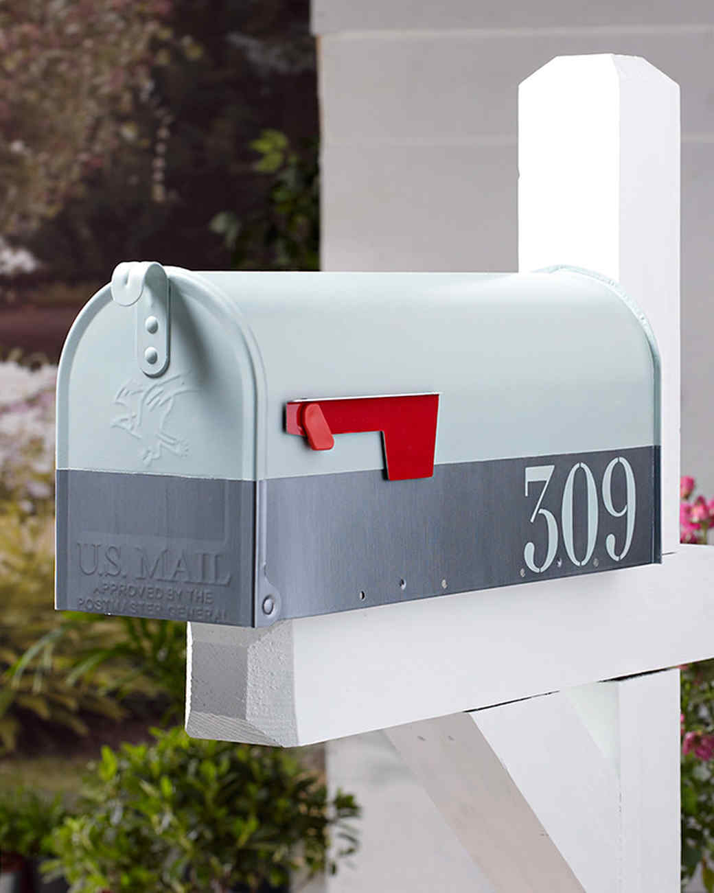 plaid decor mailbox