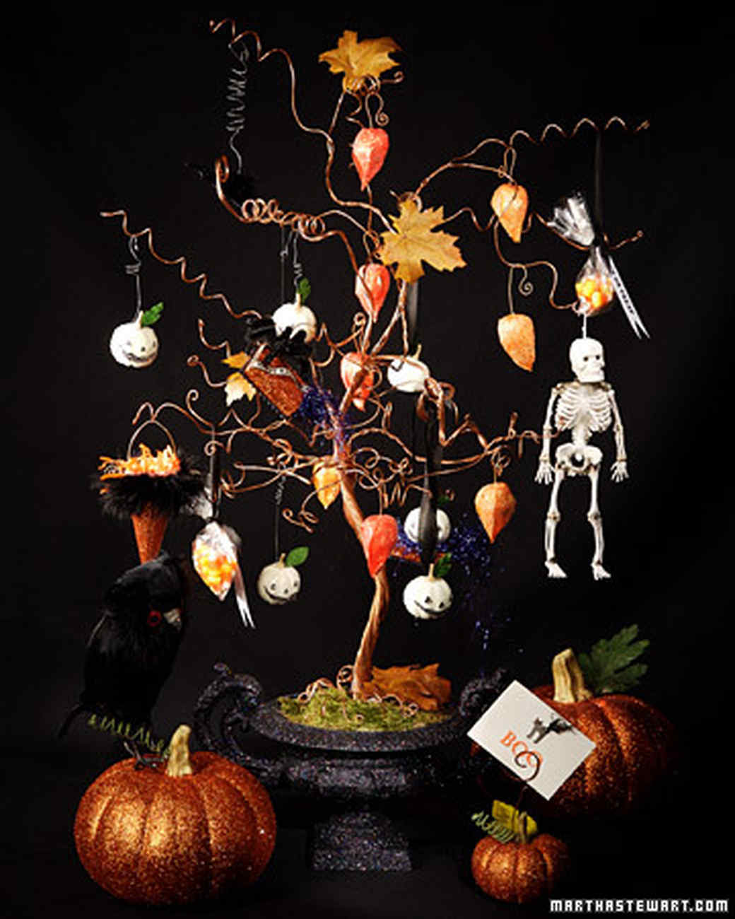3029_101207_halloweentree.jpg
