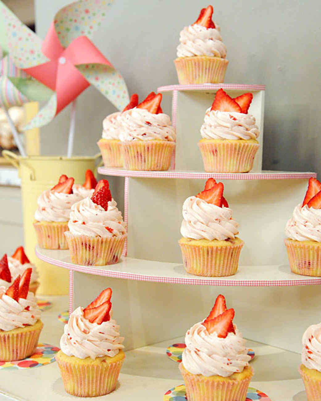 Wedding Cupcake Stand Ideas: Cupcake Stand & Video