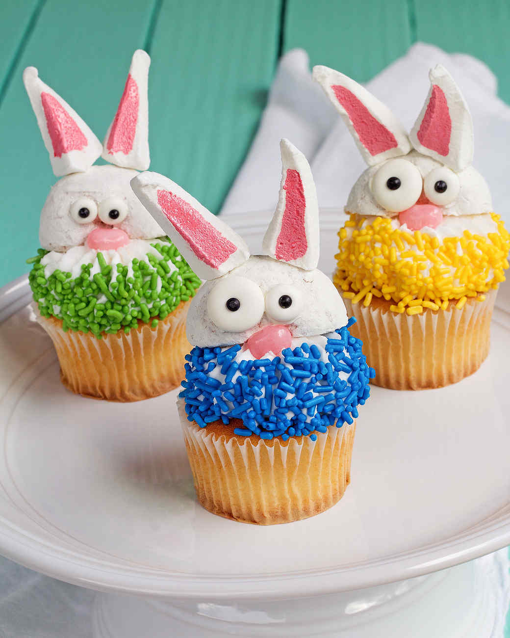 Simple, Cute Bunny Cupcakes