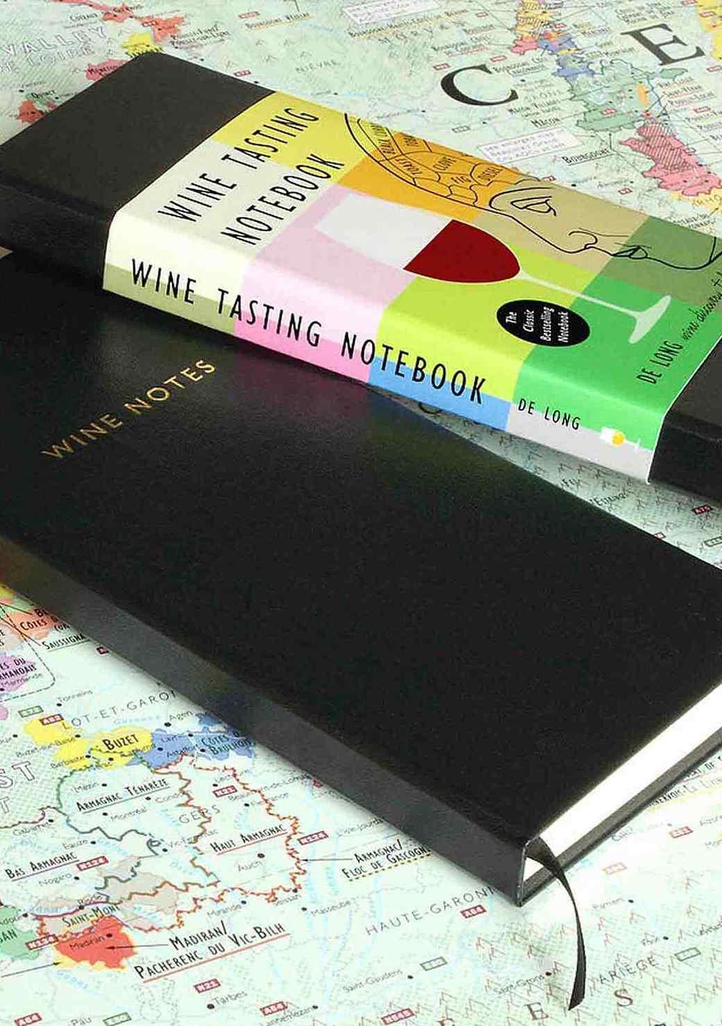 delong-wine-notebook-1215.jpg (skyword:209212)