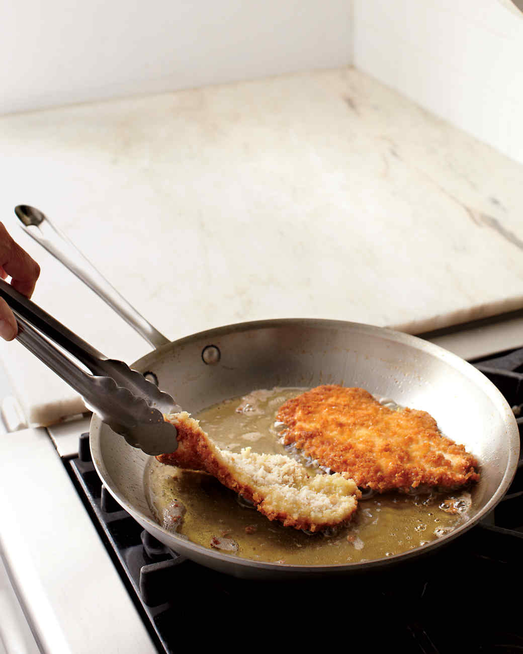 frying-chicken2-mld108081.jpg