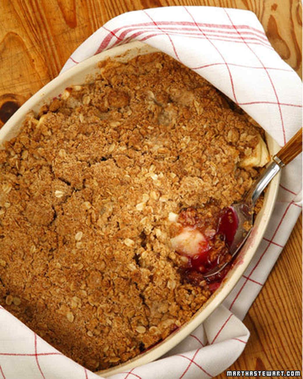 Apple Oatmeal Crumb Cake