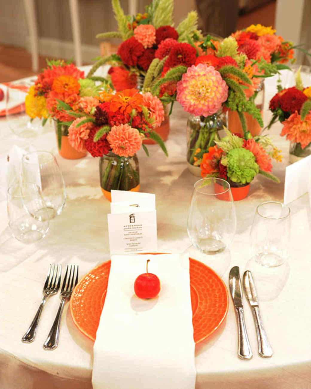 6002_091310_tablesetting_3.jpg