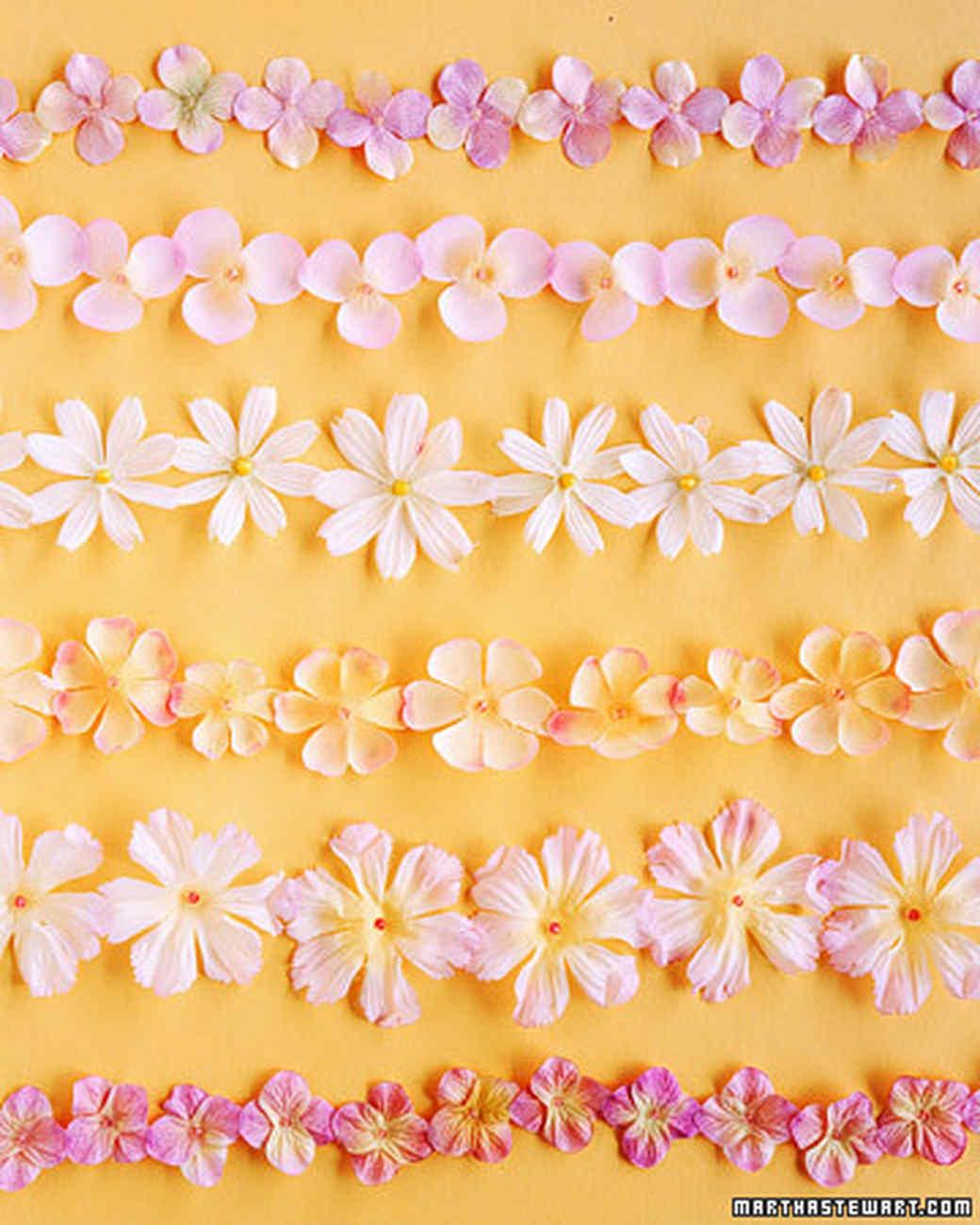 Мастер-класс: как сделать бумажные цветы для гирлянды на 87