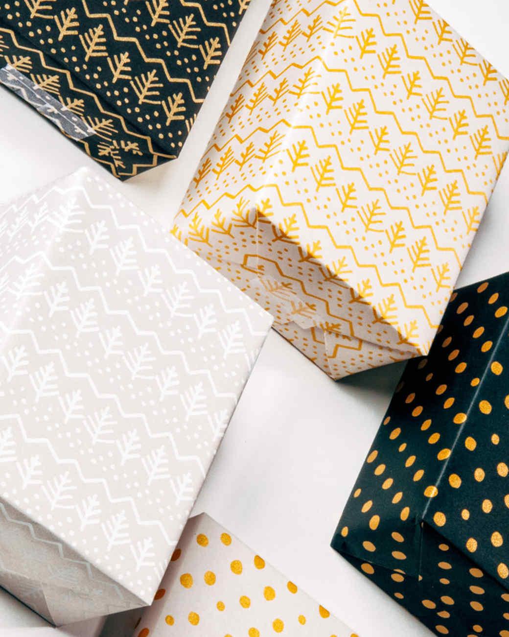 coordinated-gift-wrap-1215.jpg