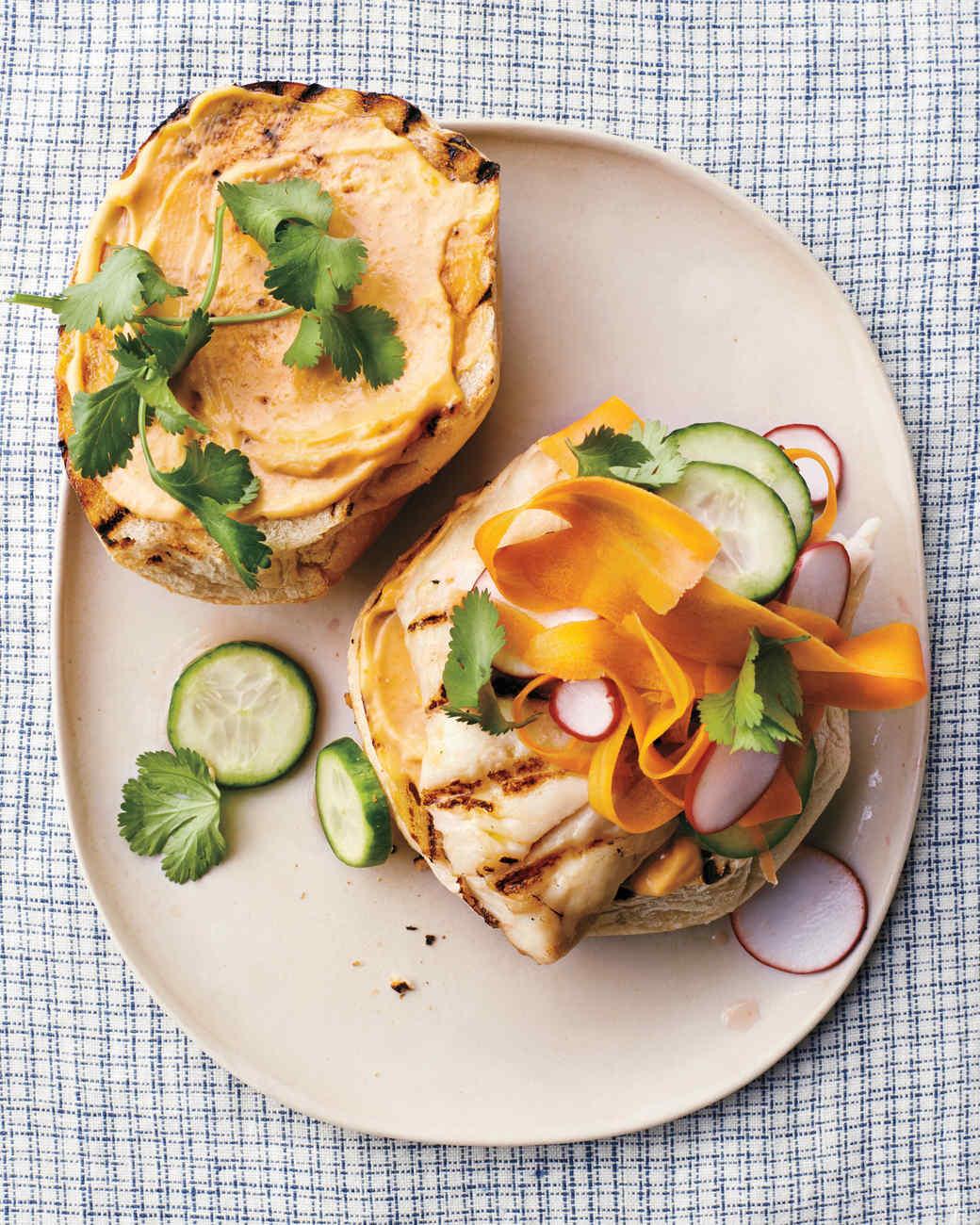 fish-sandwich-074-ld111042.jpg