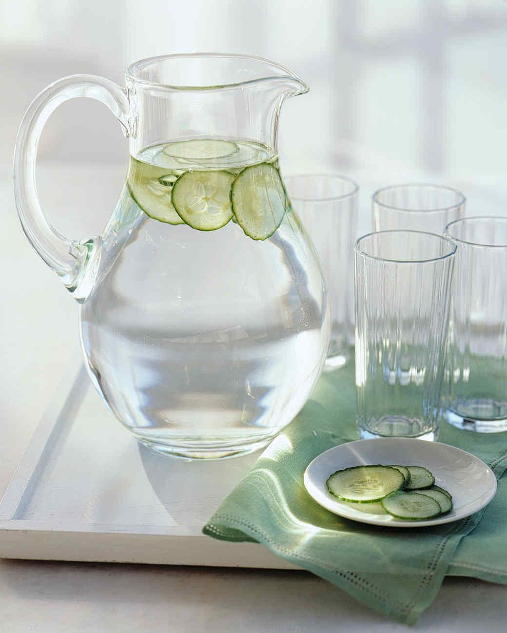 gt03maymsl_cucumberwater02.jpg