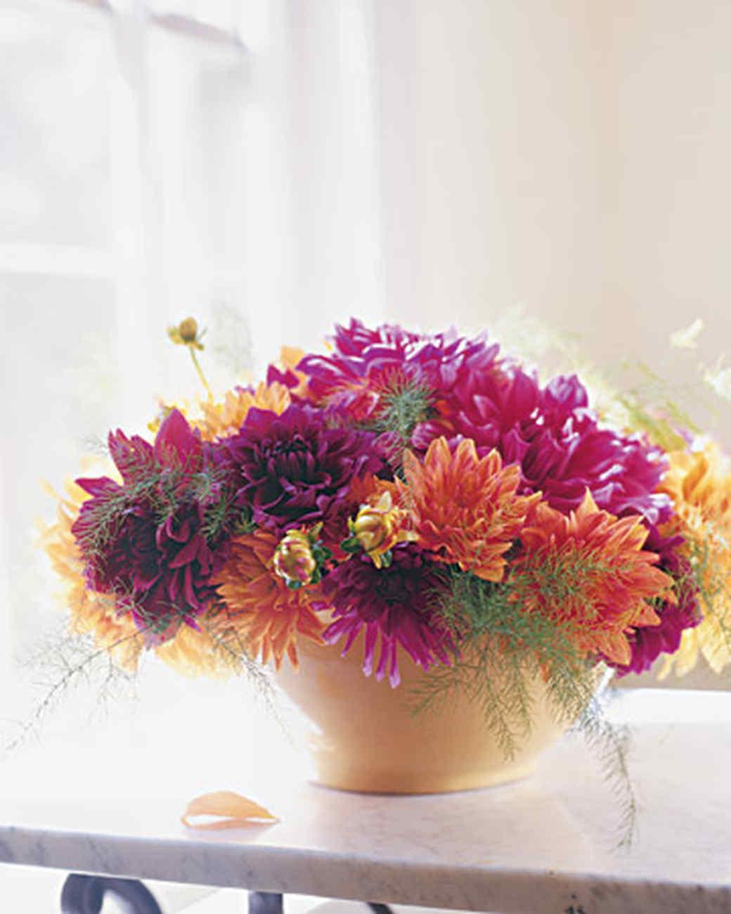 Summer flower arrangements martha stewart for Martha stewart floral arrangements
