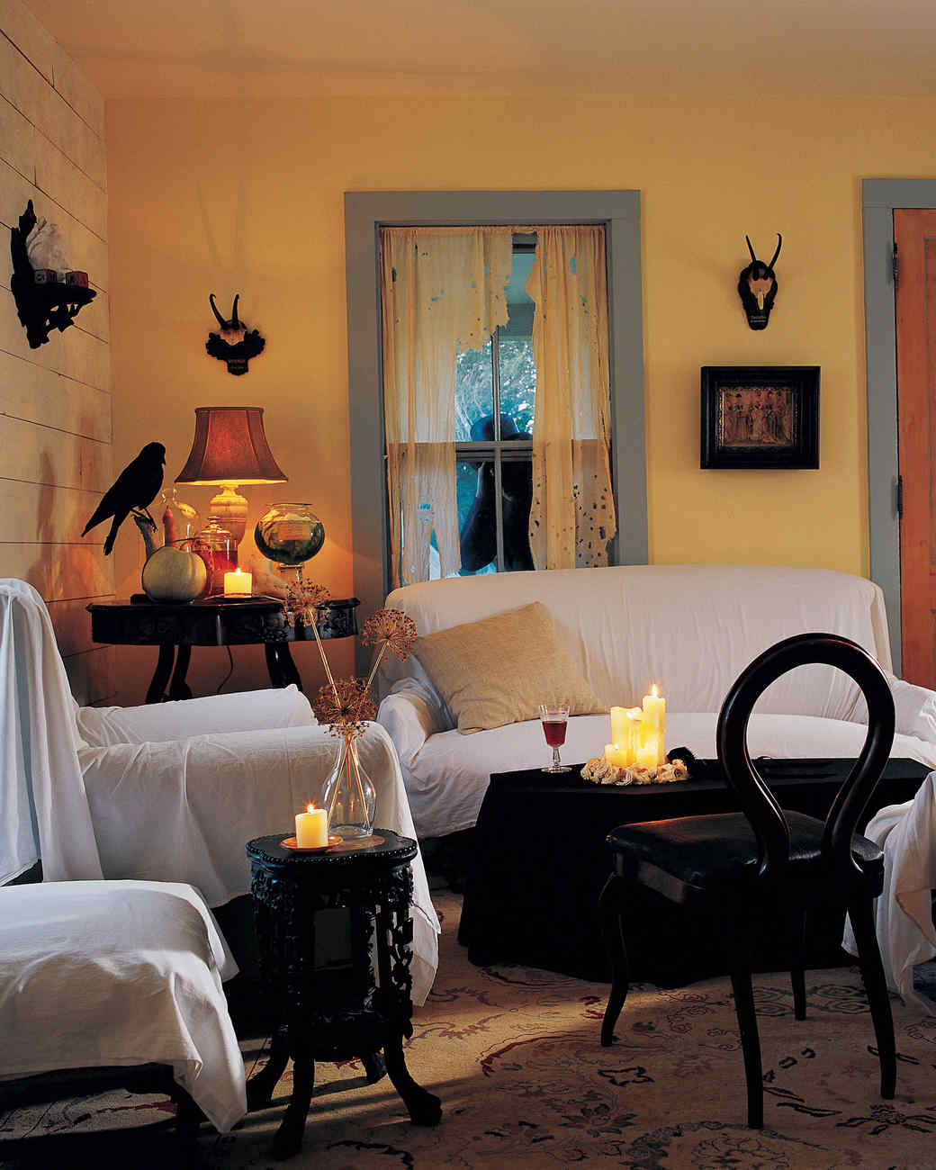 Indoor halloween decorations martha stewart for Indoor birthday decoration ideas