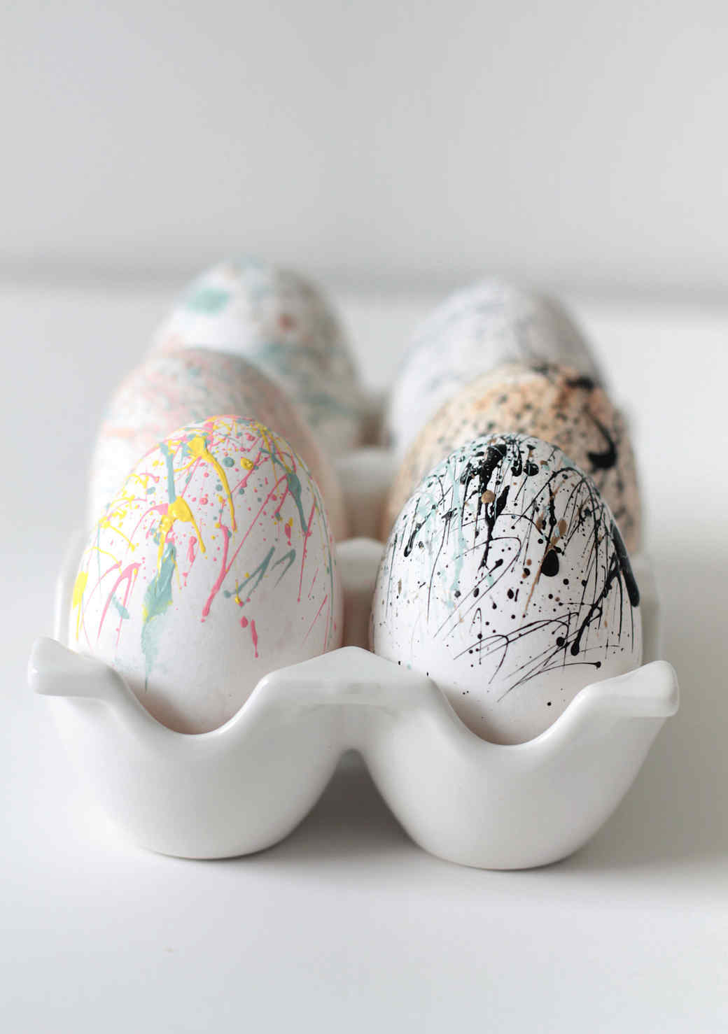 splatter-paint-easter-eggs.jpg (skyword:211791)