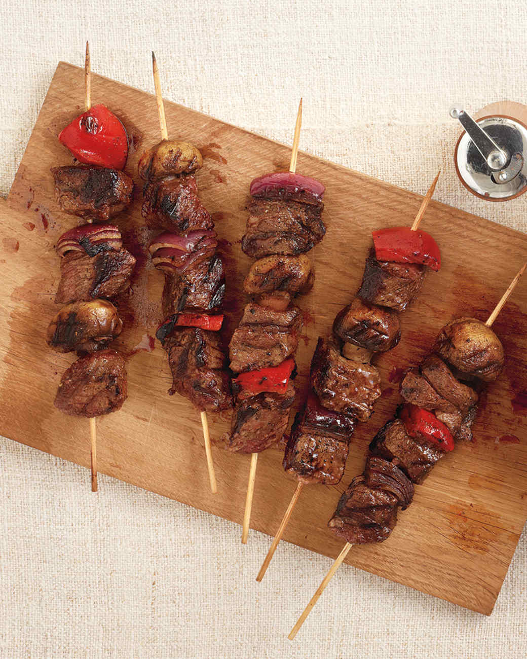 steak-kebabs-0911med107344.jpg