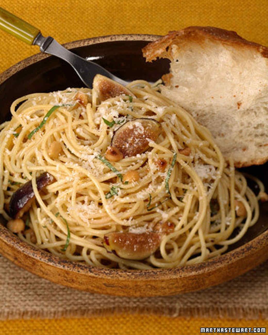 3002_91107_spaghettiwithfig.jpg