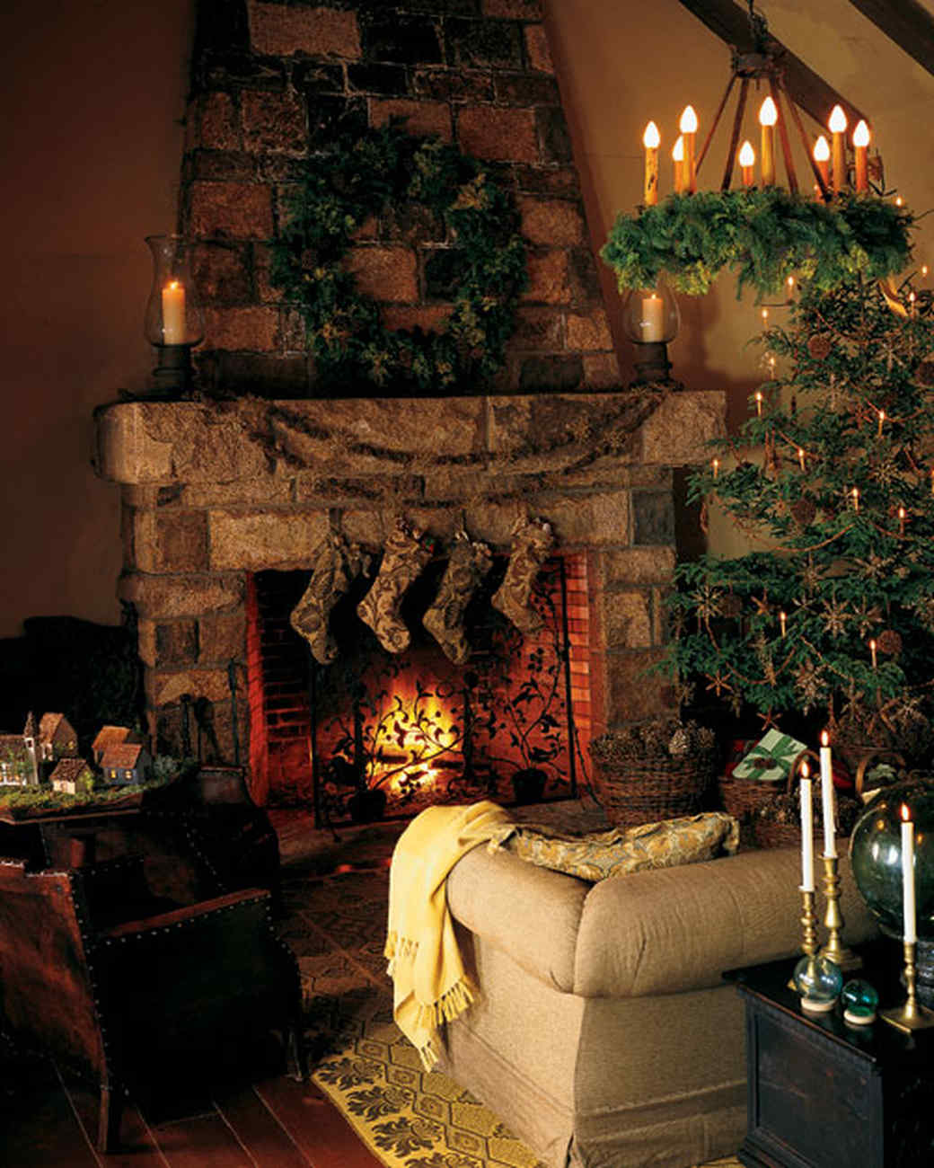 Country Christmas Mantels: Martha's Holiday Decorating Ideas