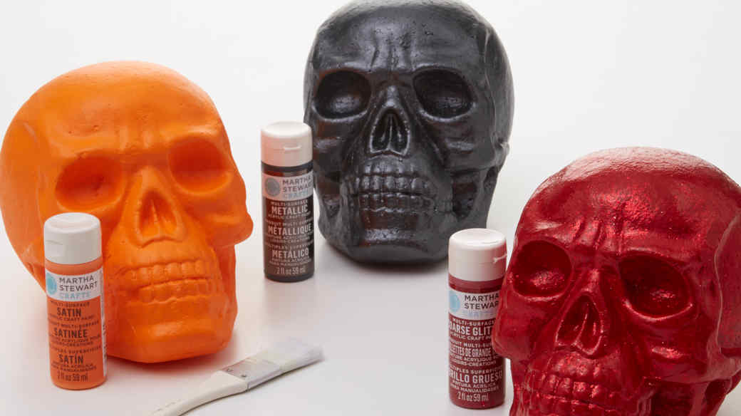 Pop Art-Inspired Painted Skull Decorations