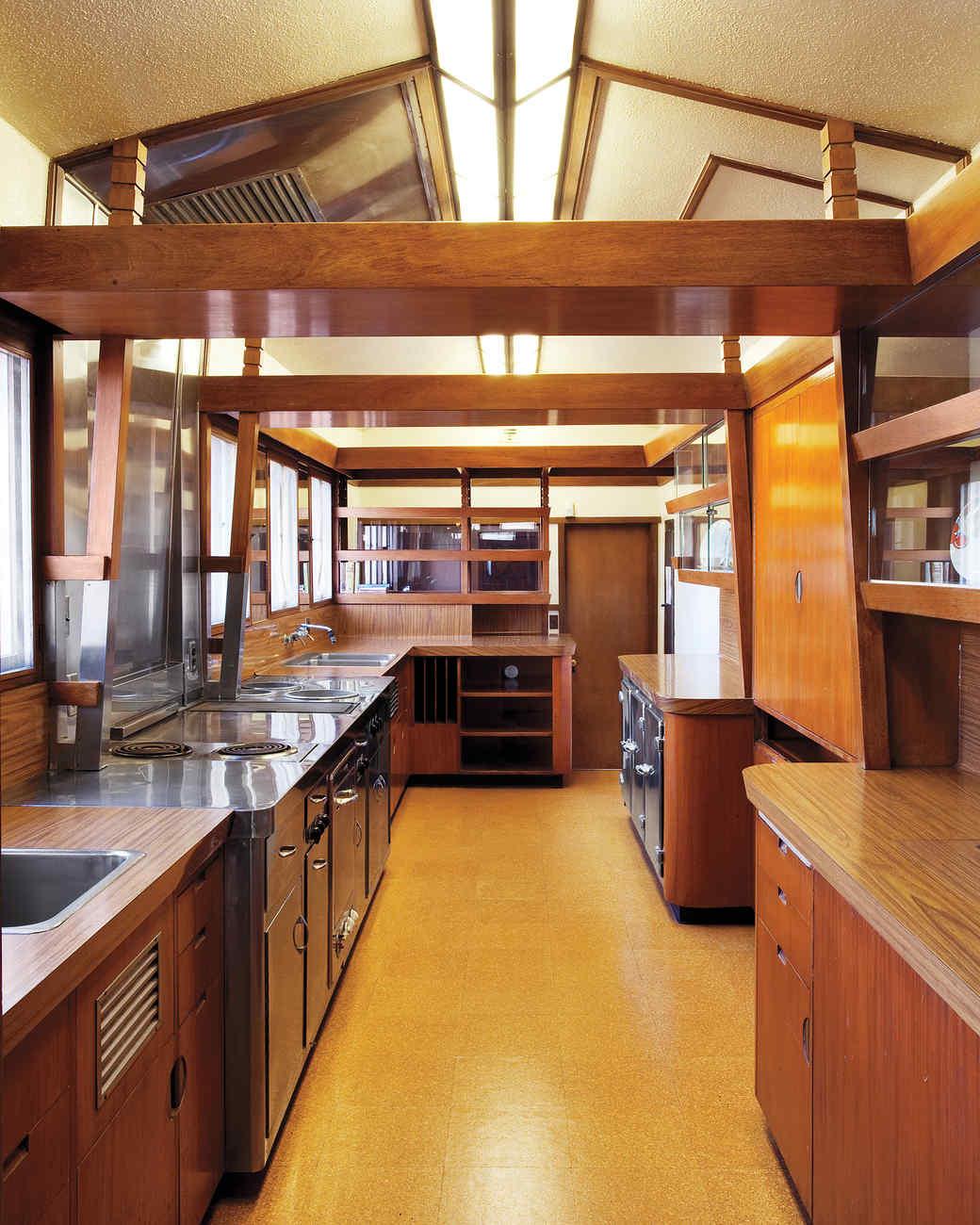american treasure hollyhock house martha stewart. Black Bedroom Furniture Sets. Home Design Ideas