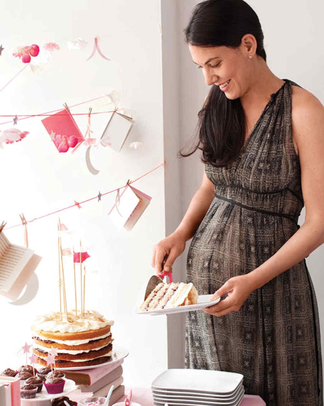 babyshower-cake-0511mld106104.jpg