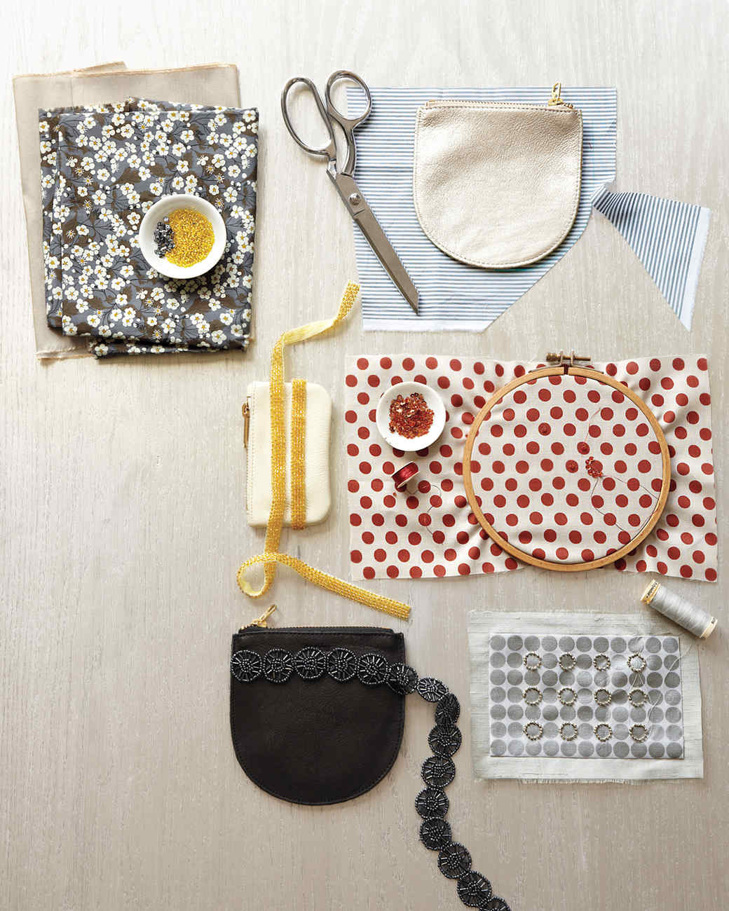 beaded-handbags-0045-md109232.jpg