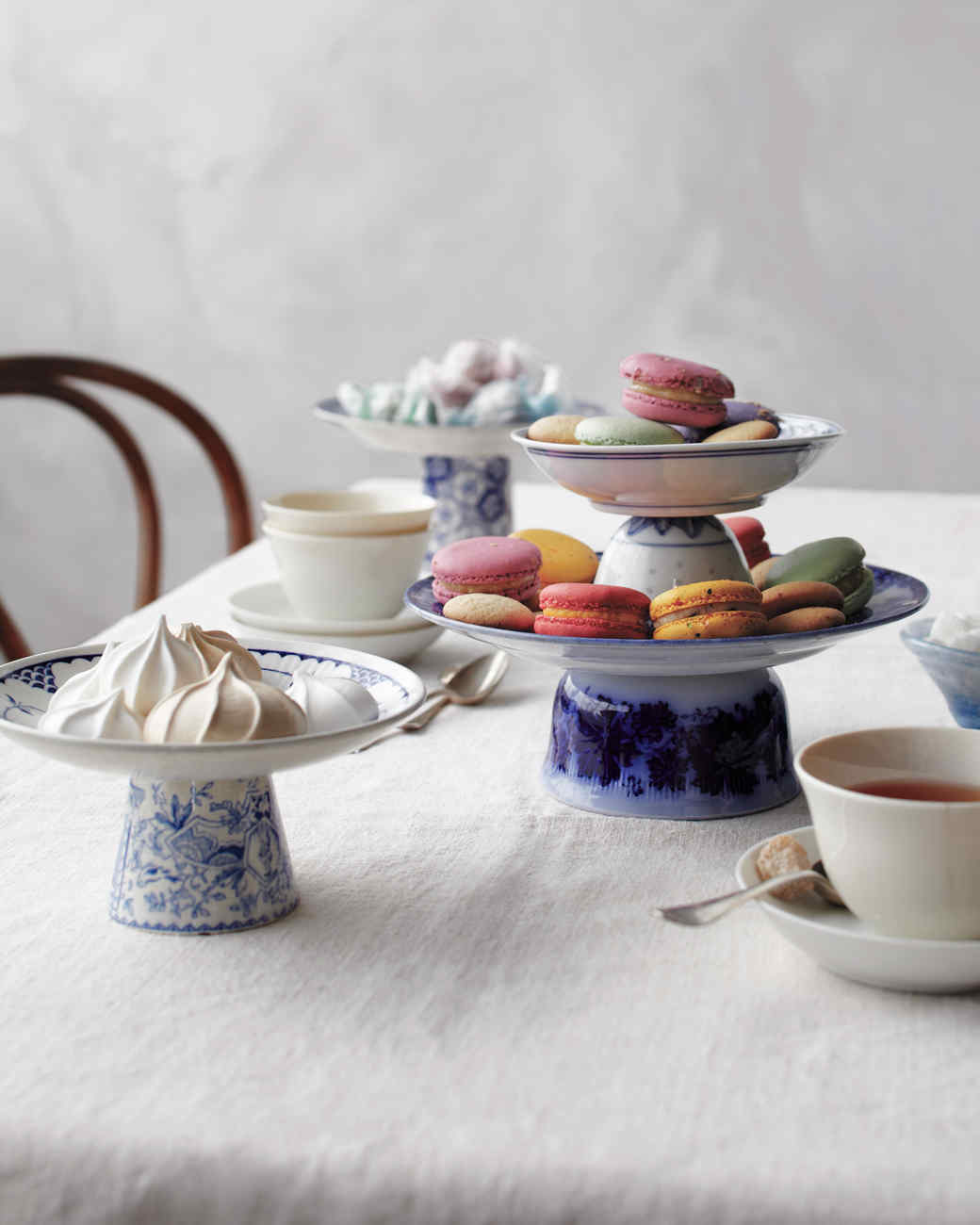 cakestands-teaparty-mld108936.jpg