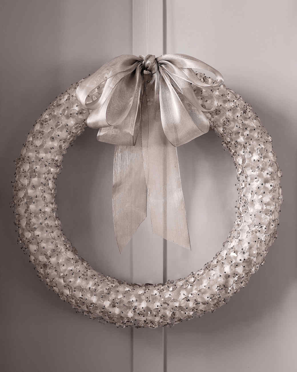crystal-wreath-20852-md110592.jpg