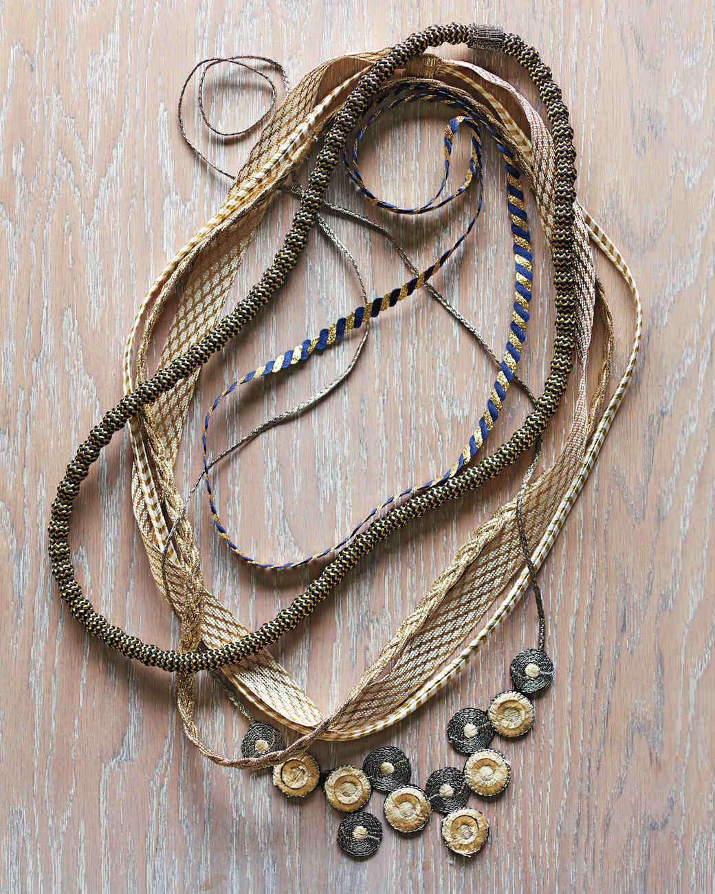 group-necklaces-107-mld109761.jpg
