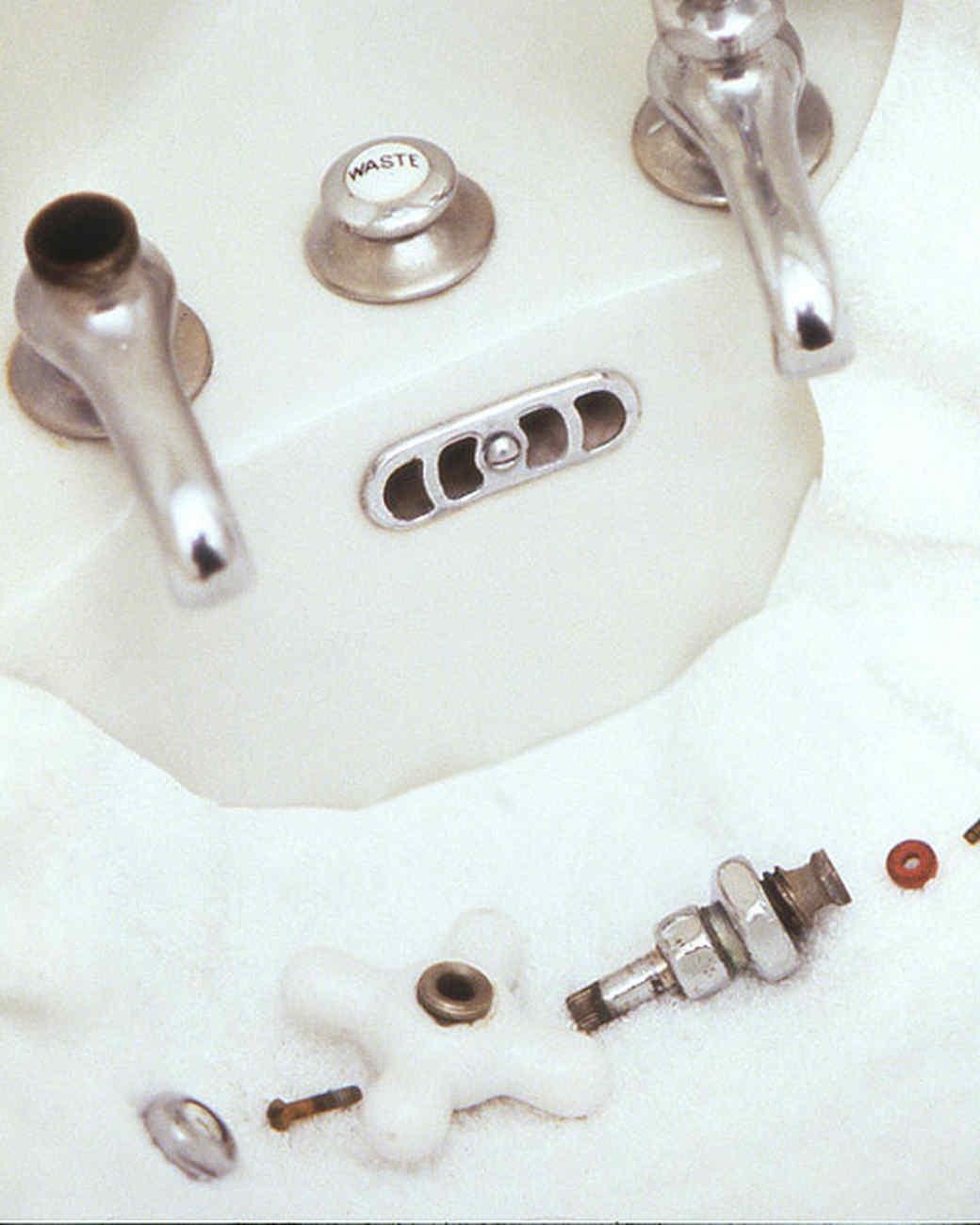 Shower Towel Broke: How To Fix Plumbing Problems