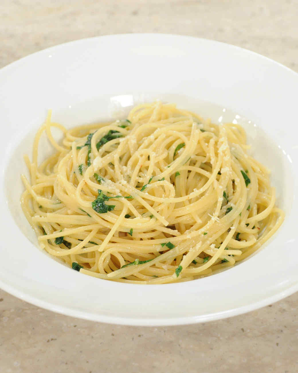 spaghetti-garlic-oil-mslb7004.jpg