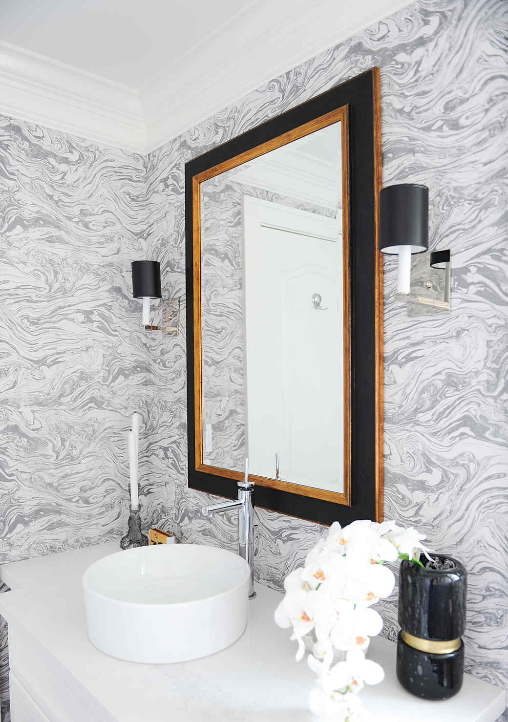 Before and After: A Powder Room Makeover