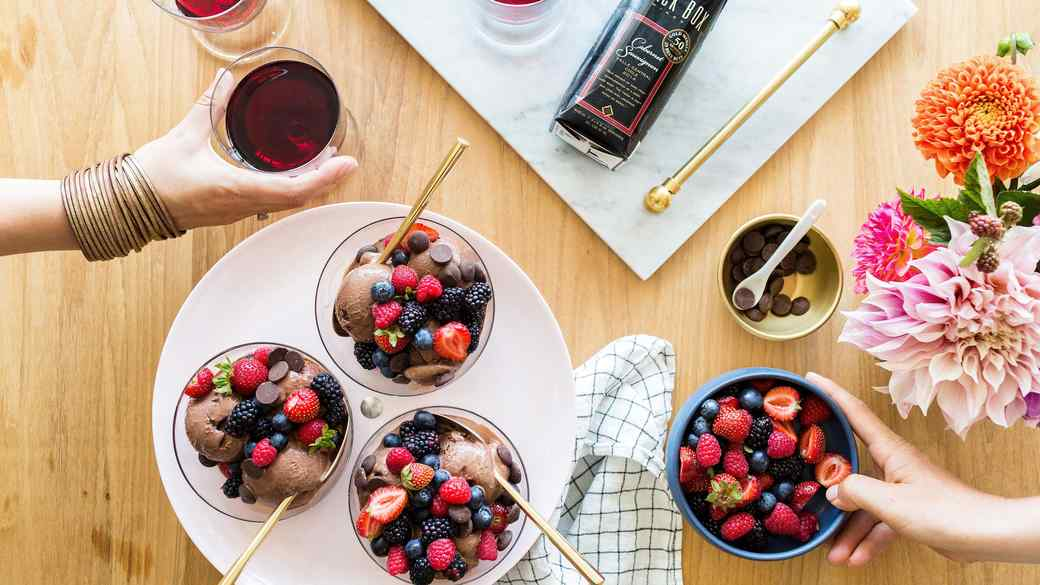 7 Easy Tips to Hosting a Stylish Summer Party