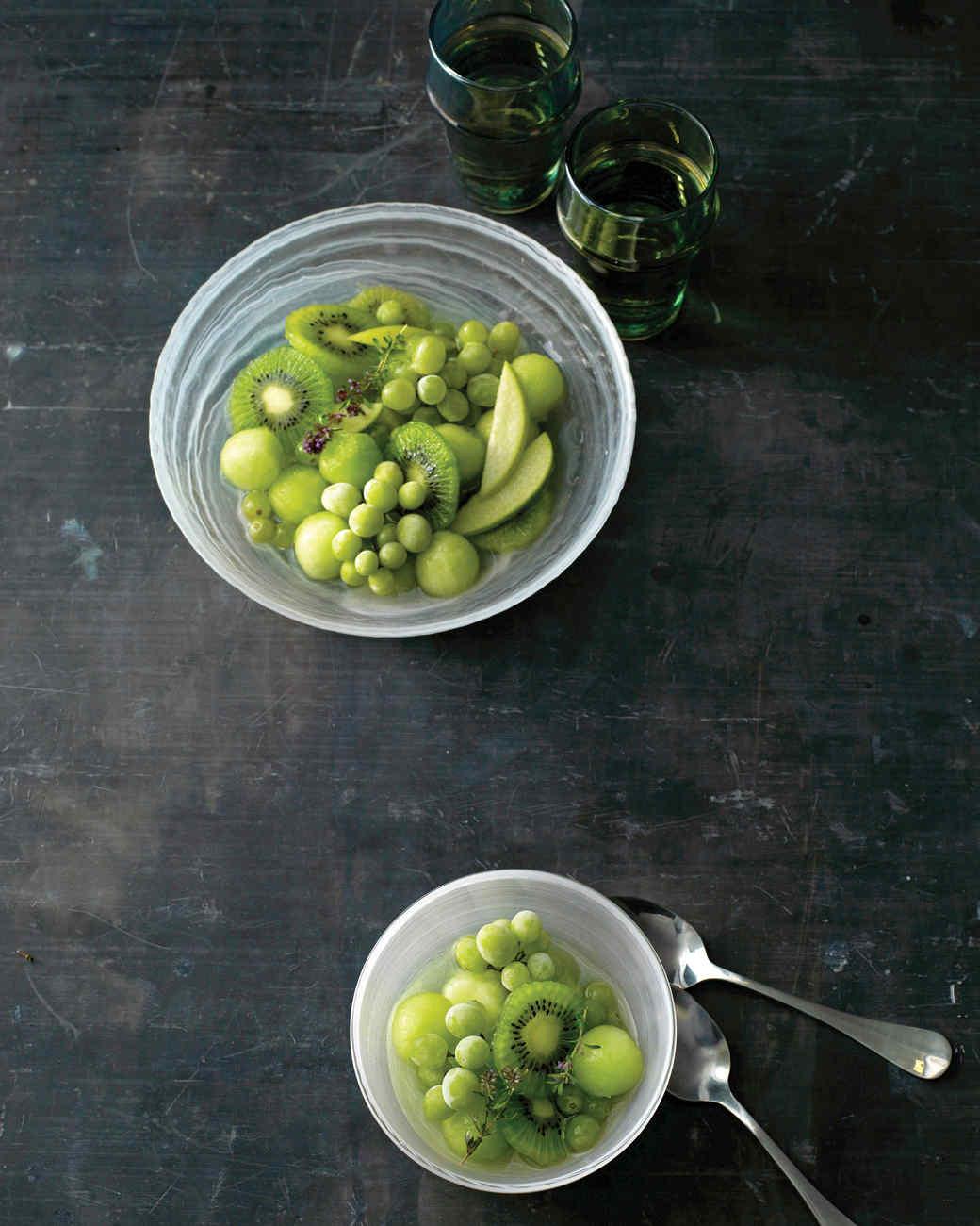 kiwi-grape-salad-0811mld104304.jpg