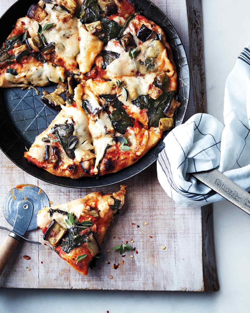 Pizza de aspecto magnífico; pelo que percebi, preparada com algodão para lhe dar aquele aspecto fofo.