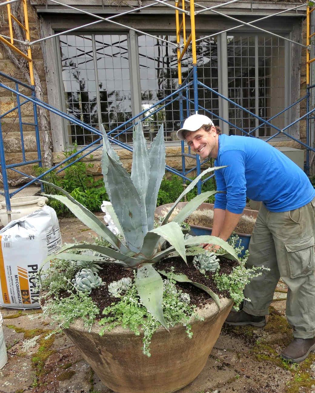 planting-urns-skylands-26-0514.jpg