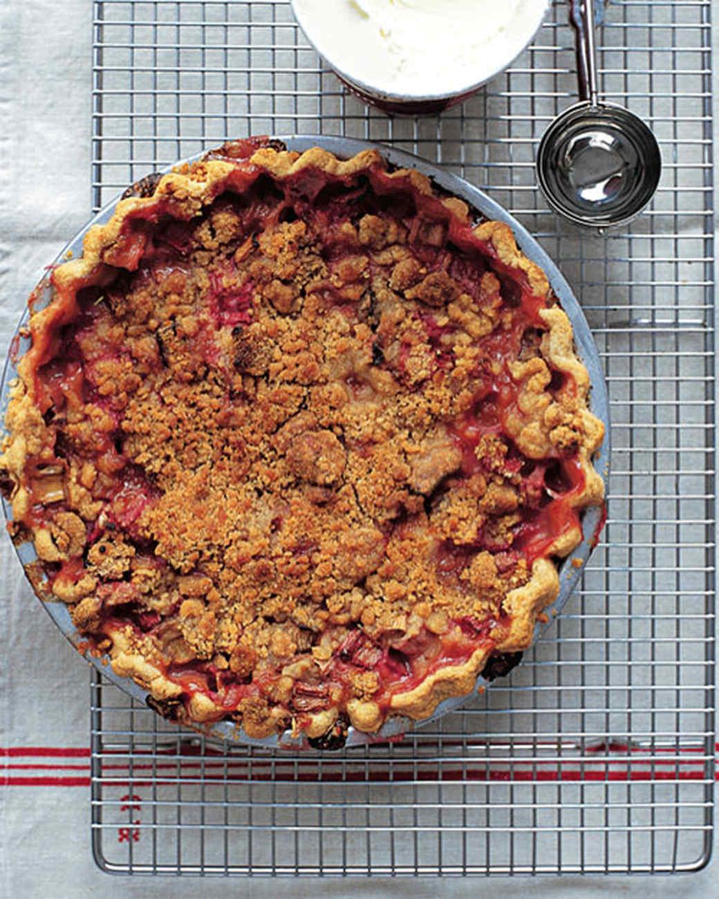 6123_032211_rhubarb_crumble_pie.jpg