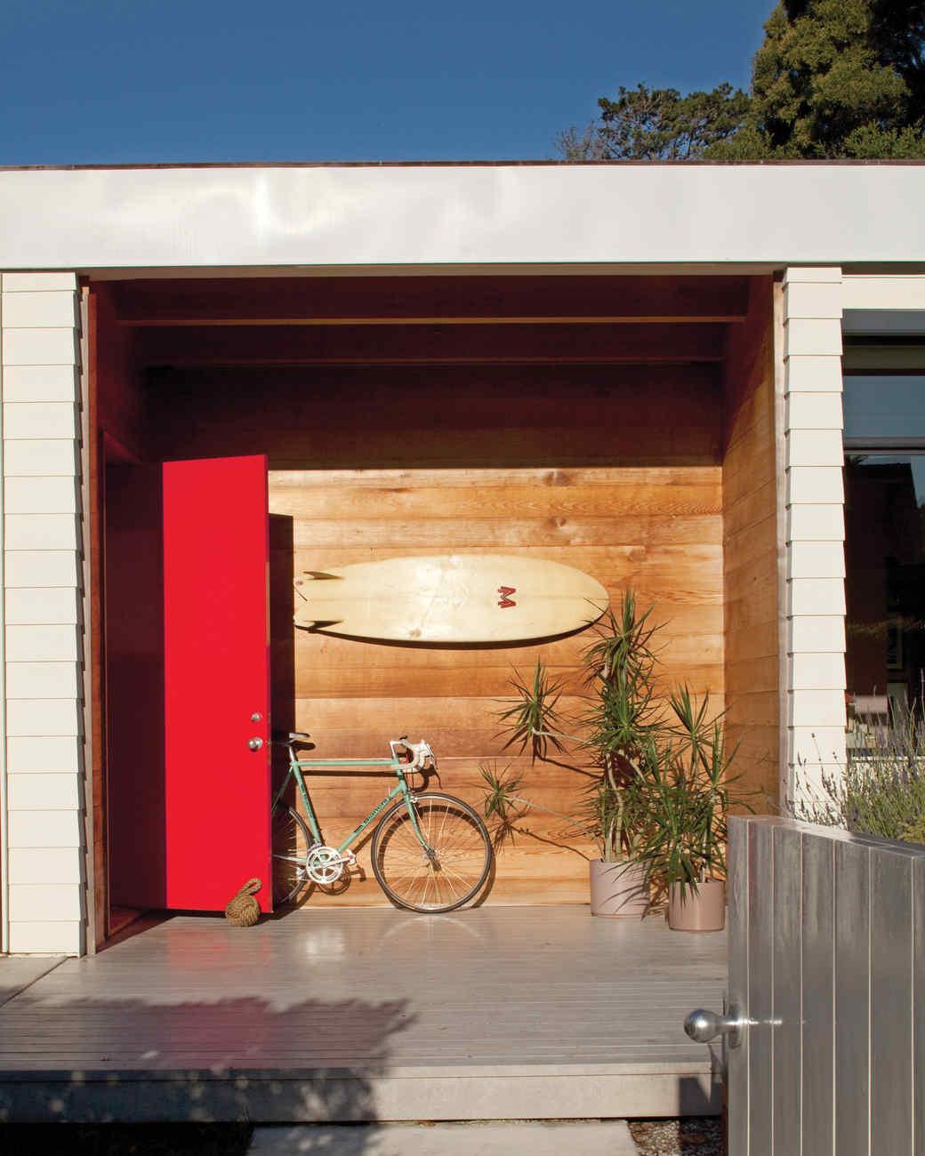 beach-house-porch-0811mld107442.jpg