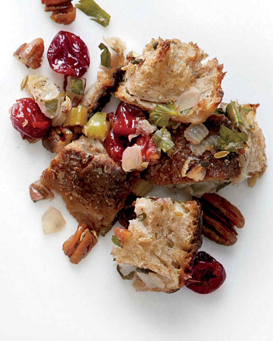 cherry-pecan-stuffing-med107616.jpg
