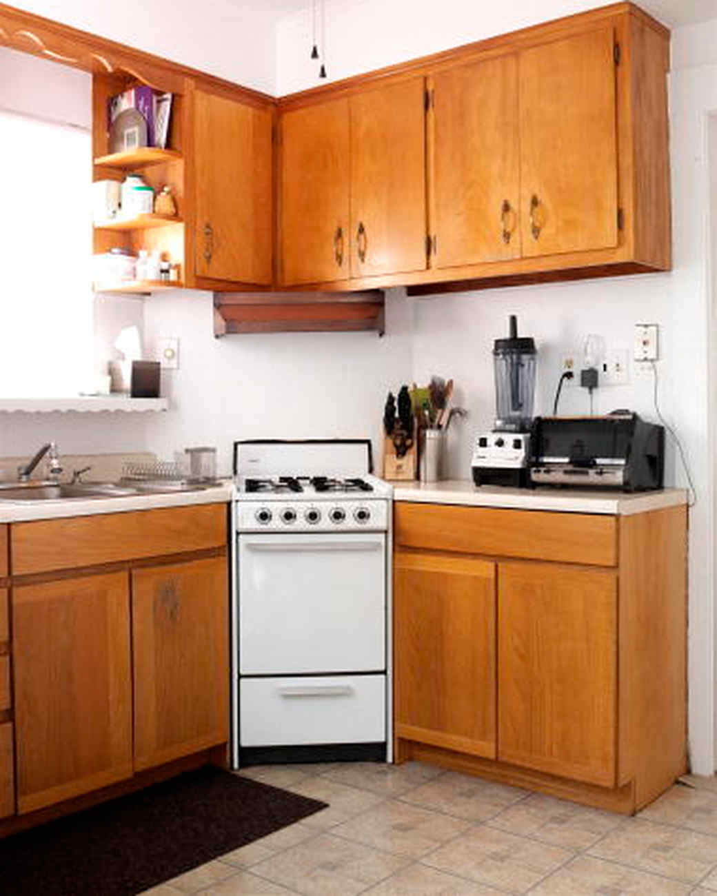 Kitchen Makeovers On A Low Budget: A Kitchen Makeover On A Budget