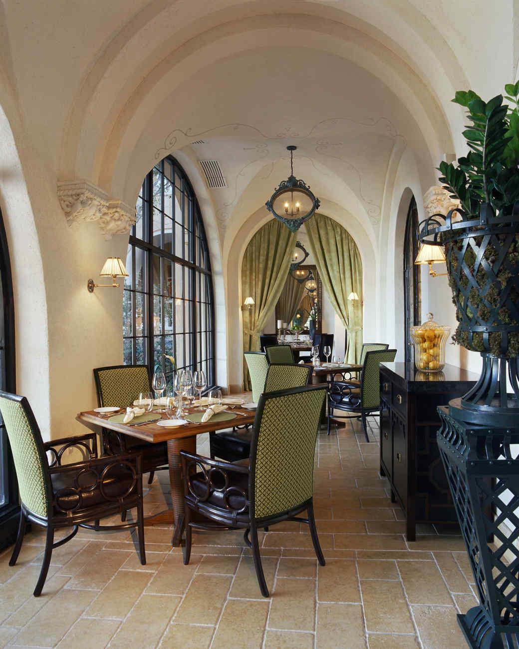 mansion-mothers-day-restaurants.jpg