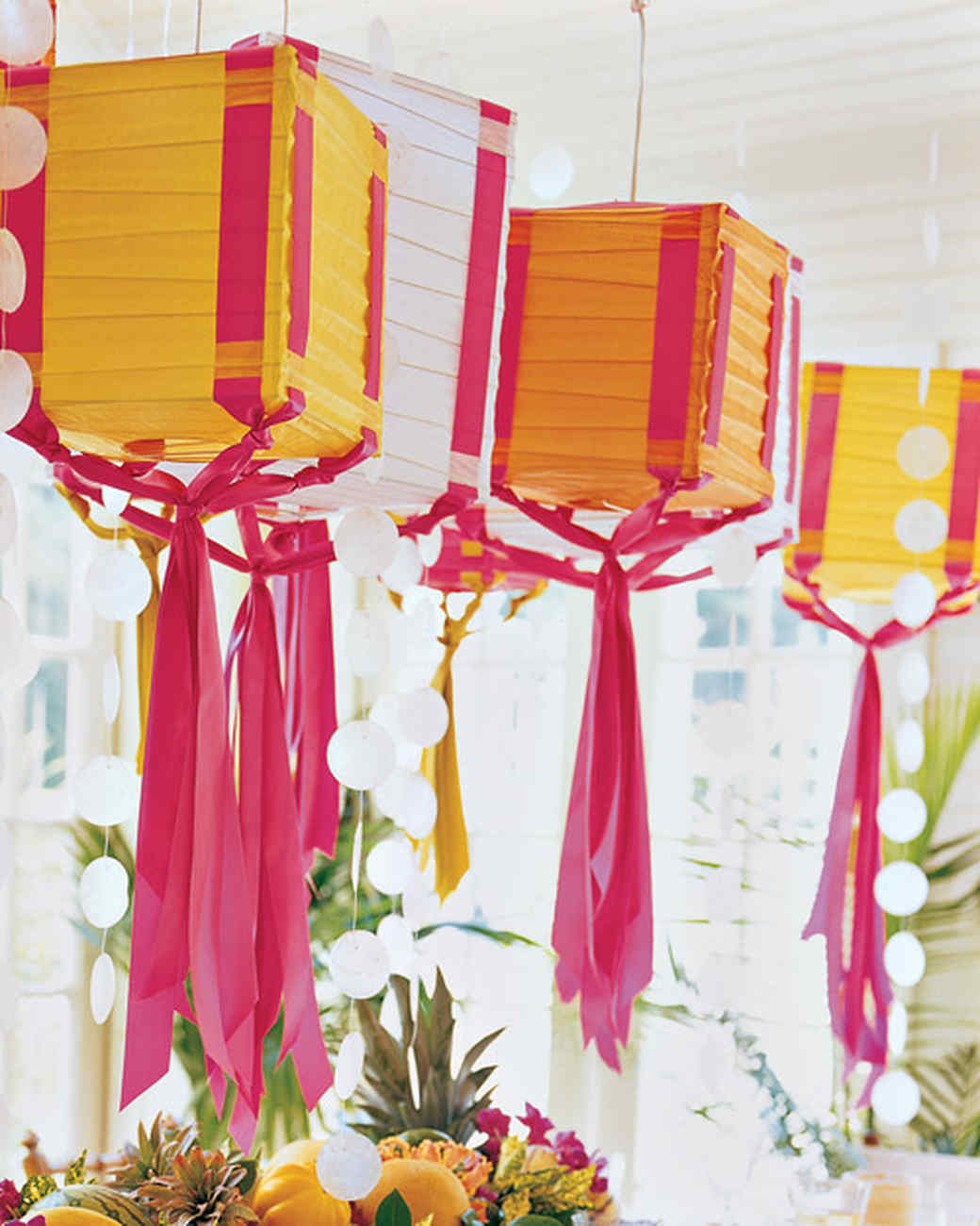mla102652_july07_table_lanterns.jpg