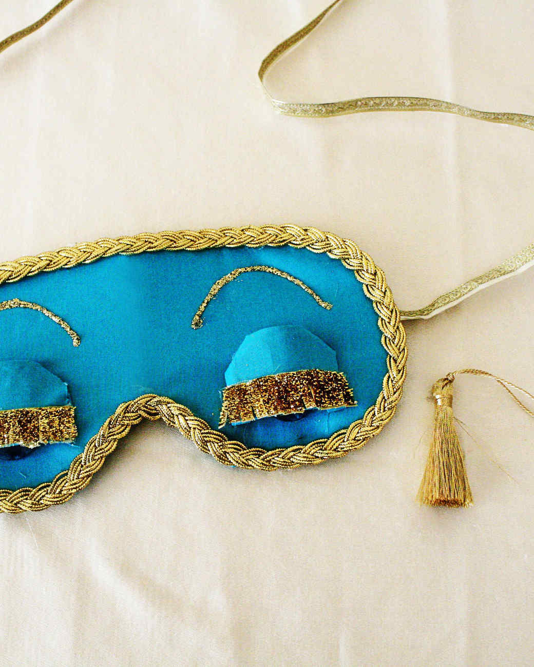 chelsey-heidorn-holly-sleep-mask.jpg