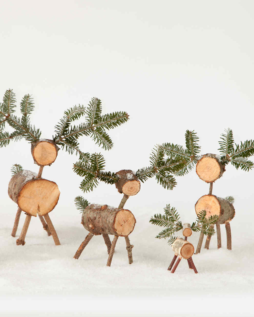 christmas-tree-deer-d110918-0969.jpg