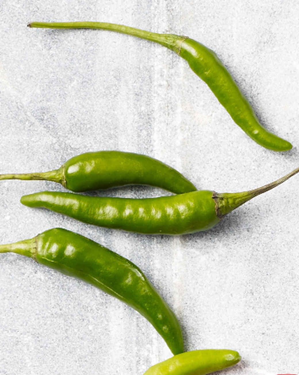 green-thai-peppers-154-1-d110163.jpg