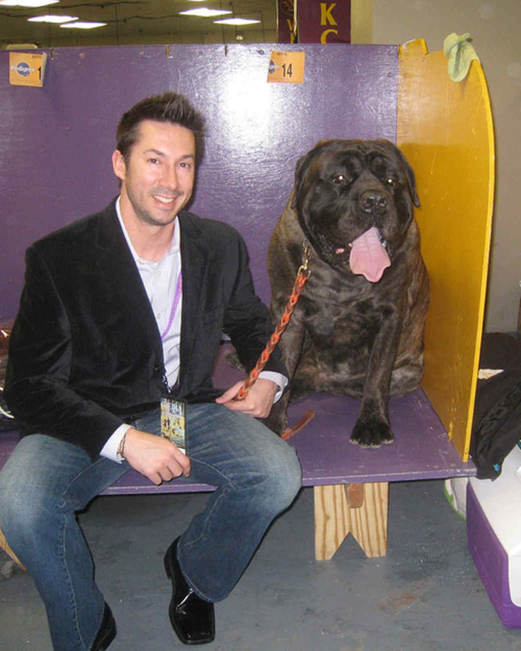r_0309_greg_w_mastiff_mighty_joe.jpg