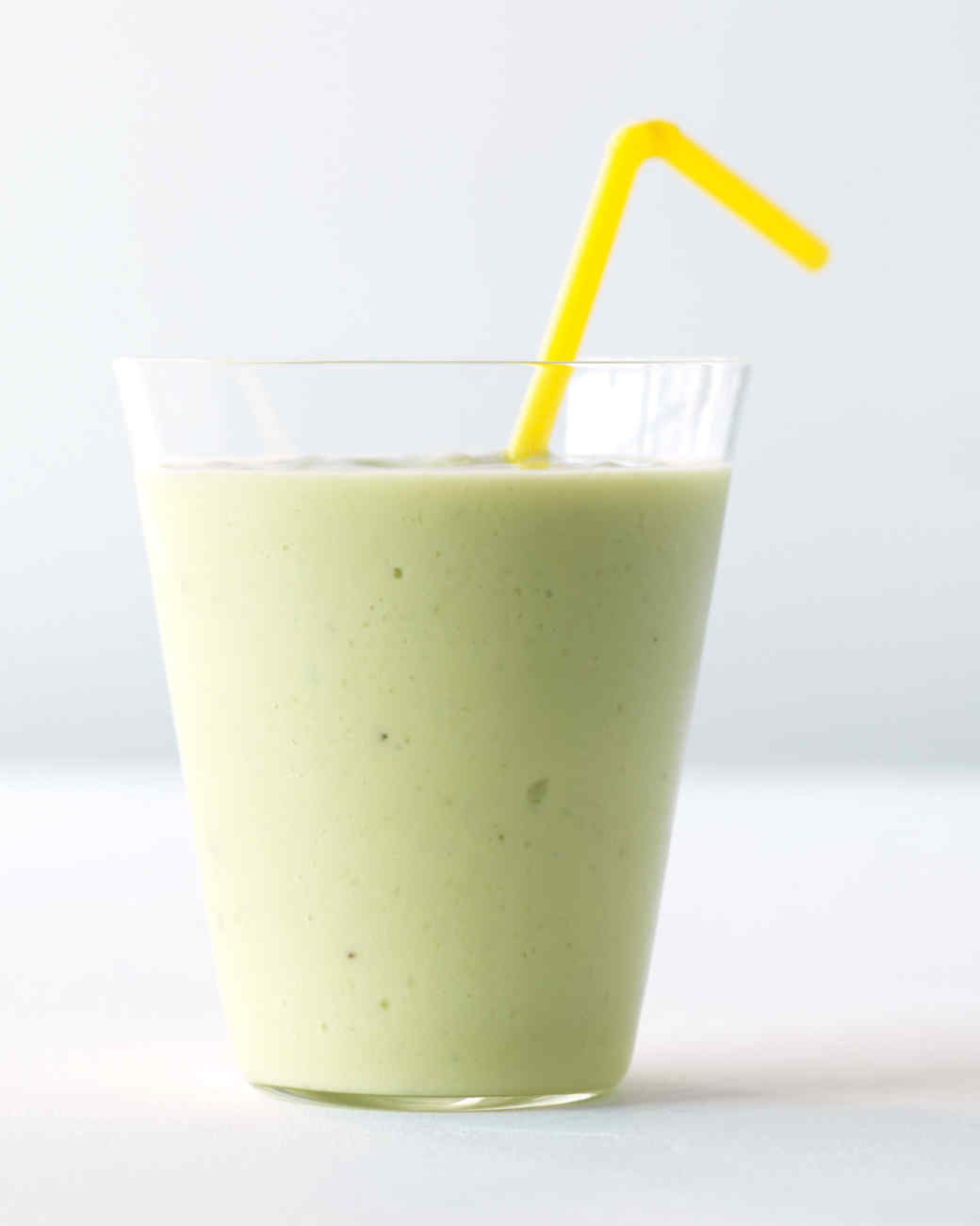 avocado-banana-smoothie-med107845.jpg