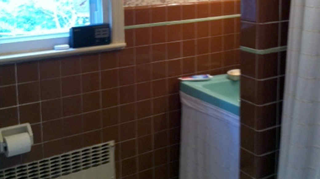 This Bathroom Makeover Will Make You Fall in Love with Gray