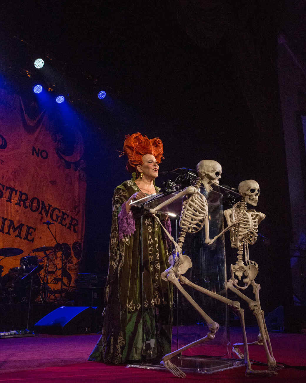 """Bette Midler Reprises Her Role From """"Hocus Pocus"""" & 18 Other Magical Moments From Her Hulaween Gala"""