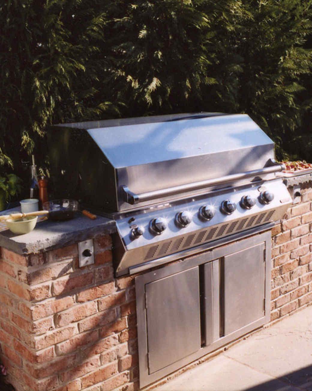 la102017_01_homekeeping_gas_grill.jpg