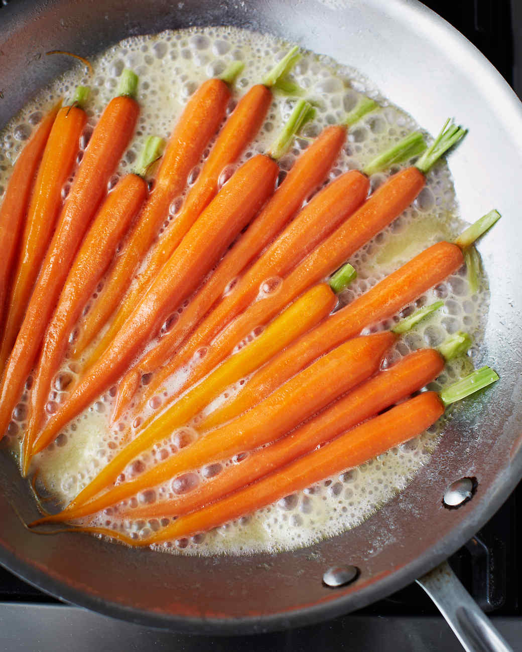 msl-kitchen-carrots-0224-md110059.jpg